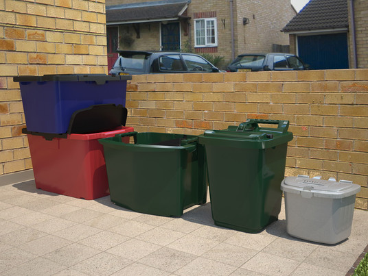 Full range of kitchen and kerbside recycling caddies / boxes.