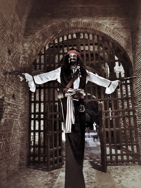 Trampoliere pirata cosplay Jack Sparrow