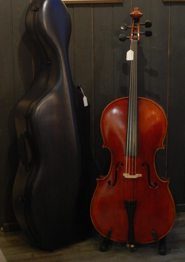 """Violoncelle modèle """"Bernardel"""""""