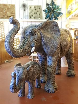 Eléphants en résine