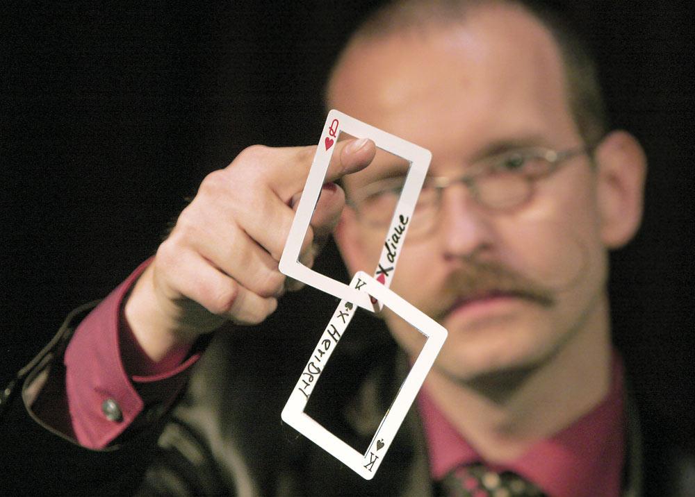 Zwei Spielkartenrahmen verkettet