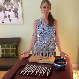 Shawn Marie Higgins and tuning forks_edi