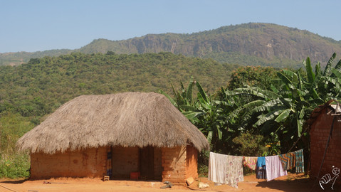 Village de l'ouest du Nigéria, vers Gembu  Village in Western Nigeria, near Gembu