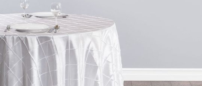 ROUND PINTUCK TABLECLOTH
