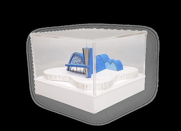 Cúpula em acrílico cristal 3mm, de 30x30x30cm, com base em acrílico color 2mm