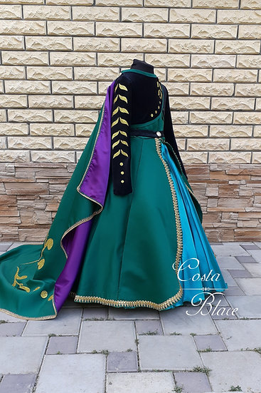 Queen Anna of Arendelle costume. Frozen 2