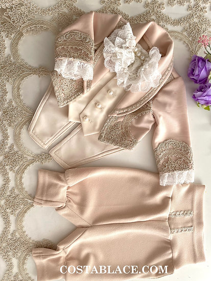 Beige Royal outfit for kid
