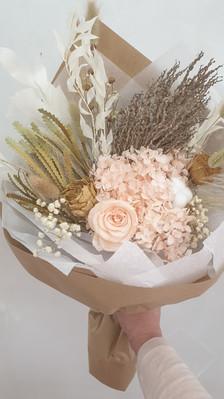 Peach bouquet >