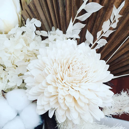 Beautiful white arrangement >
