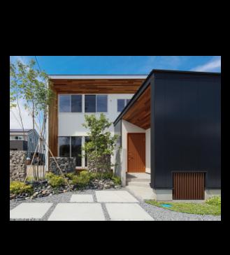リベラアーキテクチャ 美しい縦長窓のスタイリッシュな家