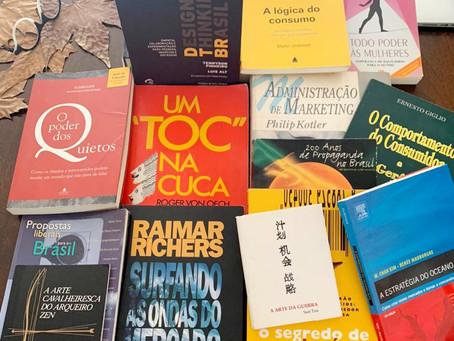 Os livros que mais marcaram a trajetória de 25 anos de empreendedorismo da Claudia Lubi.