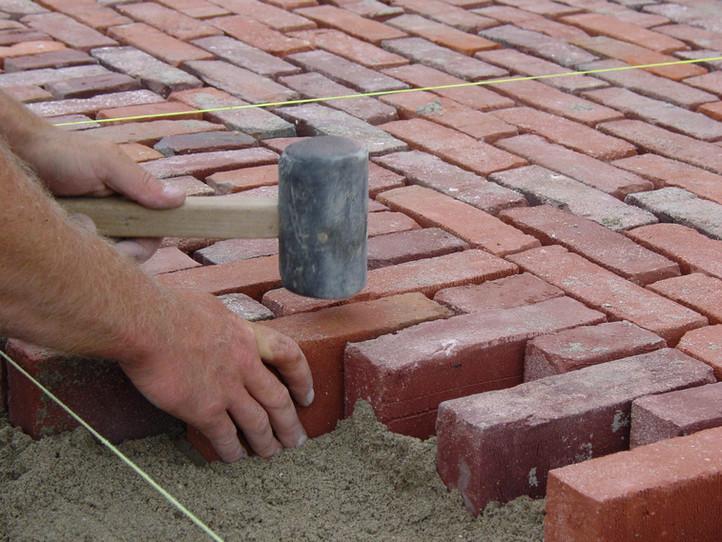 Pose de briques