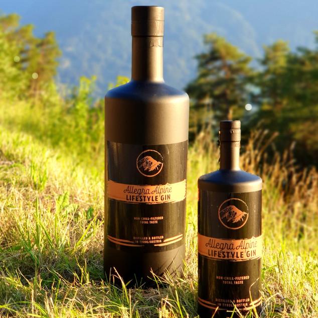 Allegra Alpine Lifestyle Gin in Freudengrößen (Magnum-  & 6-Liter-Flasche).