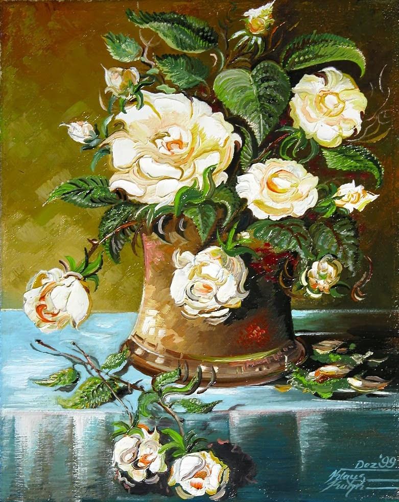 Rosen in Kupfervase
