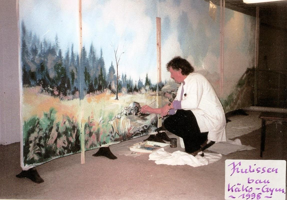 030-Kulissenmalerei-fuer-Theatergruppen-am-Kaethe-Kollwitz-Gymnasium-1998