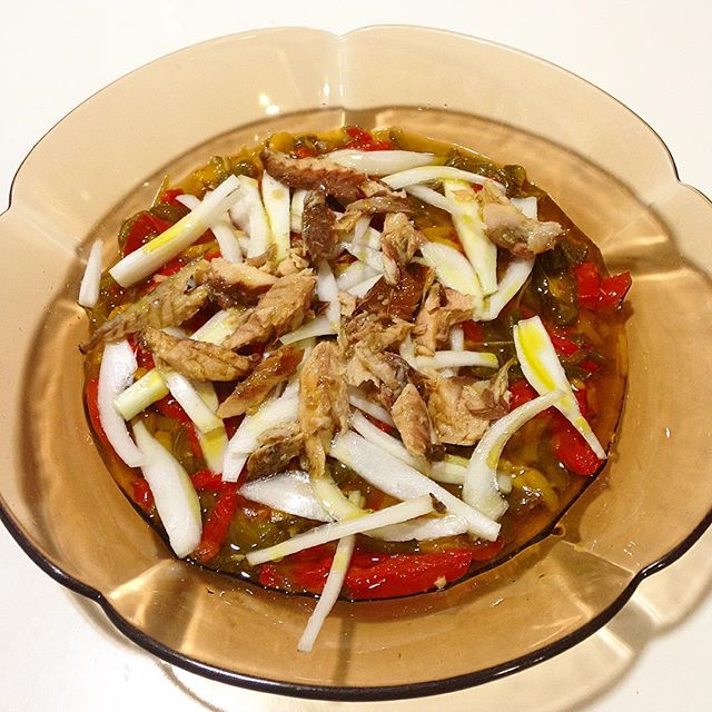 Ensalada de pimientos con ventresca