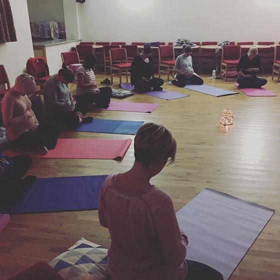 Yoga Loves Pregnancy / Pregnancy Loves Yoga