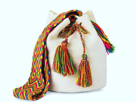 ワユー族の手作りバッグ