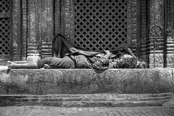 homeless-5210796_1920_edited.jpg