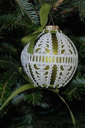 Victorian Lace Ornament - Medium Olive