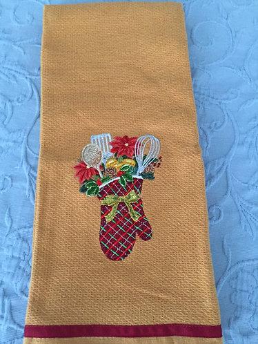 18-134 Christmas Mitt on Mustard