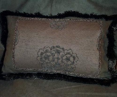 Pillow (Dahlia)
