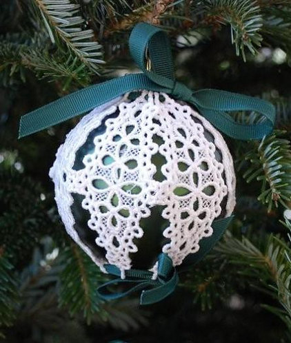 Victorian Lace Ornament - Medium Dark Green