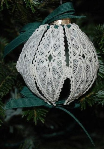 Victorian Lace Ornament - Medium Dark Green