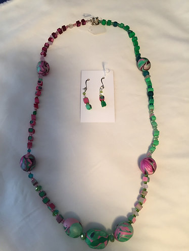 Green/Pink Graduated Cubes Necklace