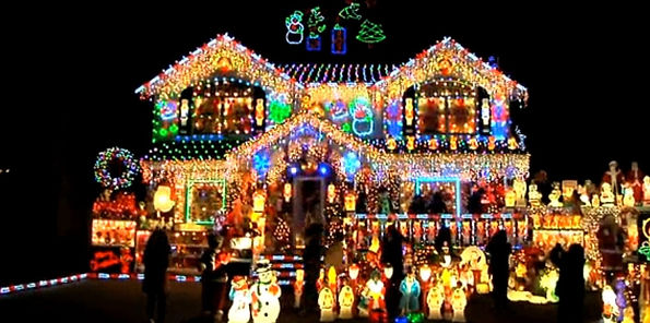 the-brightest-christmas-house-in-nyc-myb