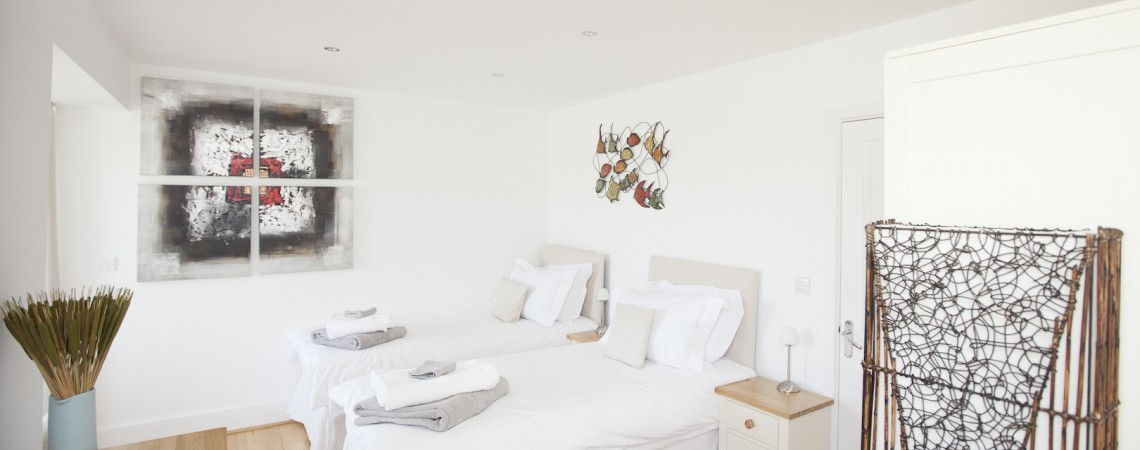 Sheerghlass - Main Bedroom