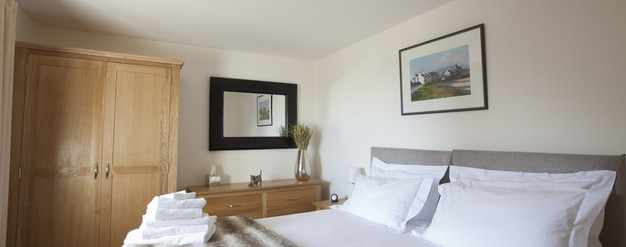 The Stalls - Main Bedroom