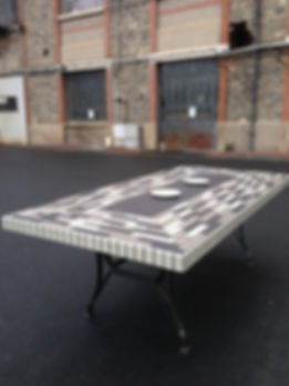 Table jardin contemporain béton ciment sur mesure haut de gamme