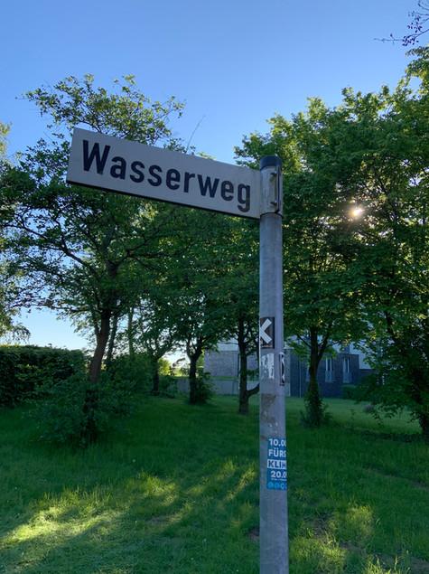 Straßenschild Wasserweg