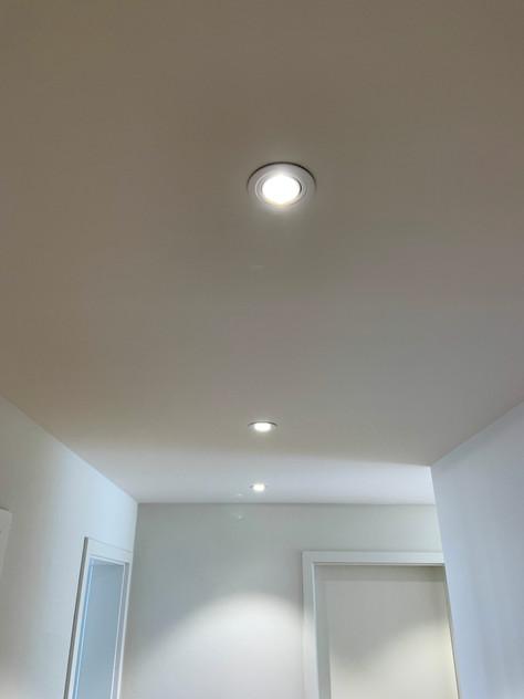 LED-Deckenspots in der Diele