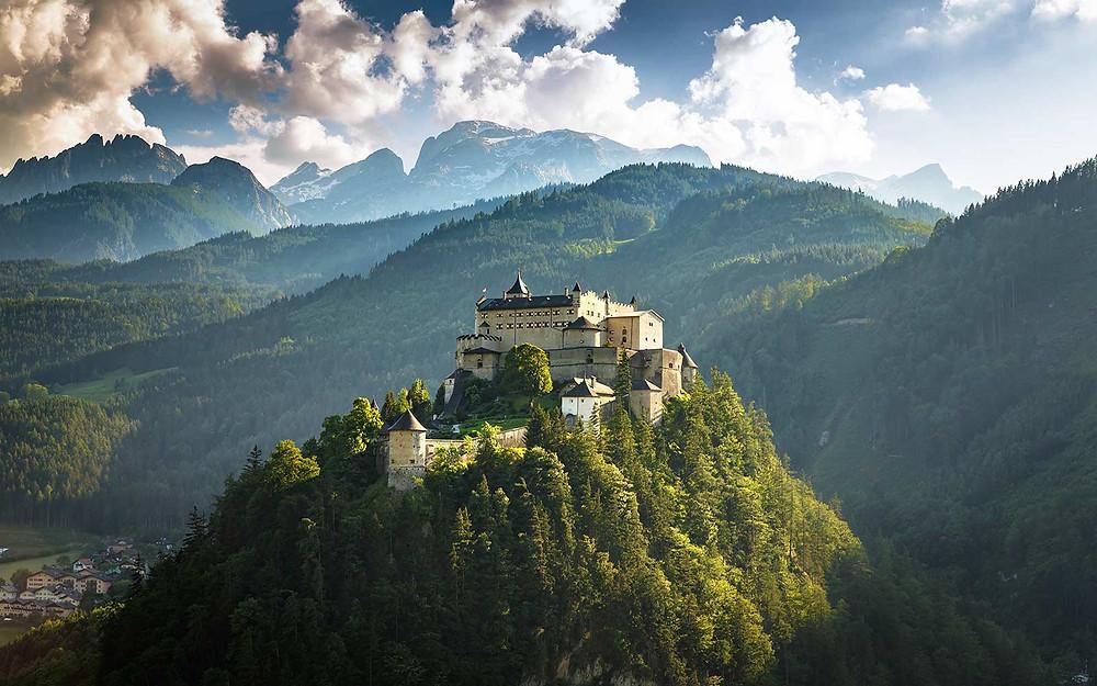 Defensible mountain castle