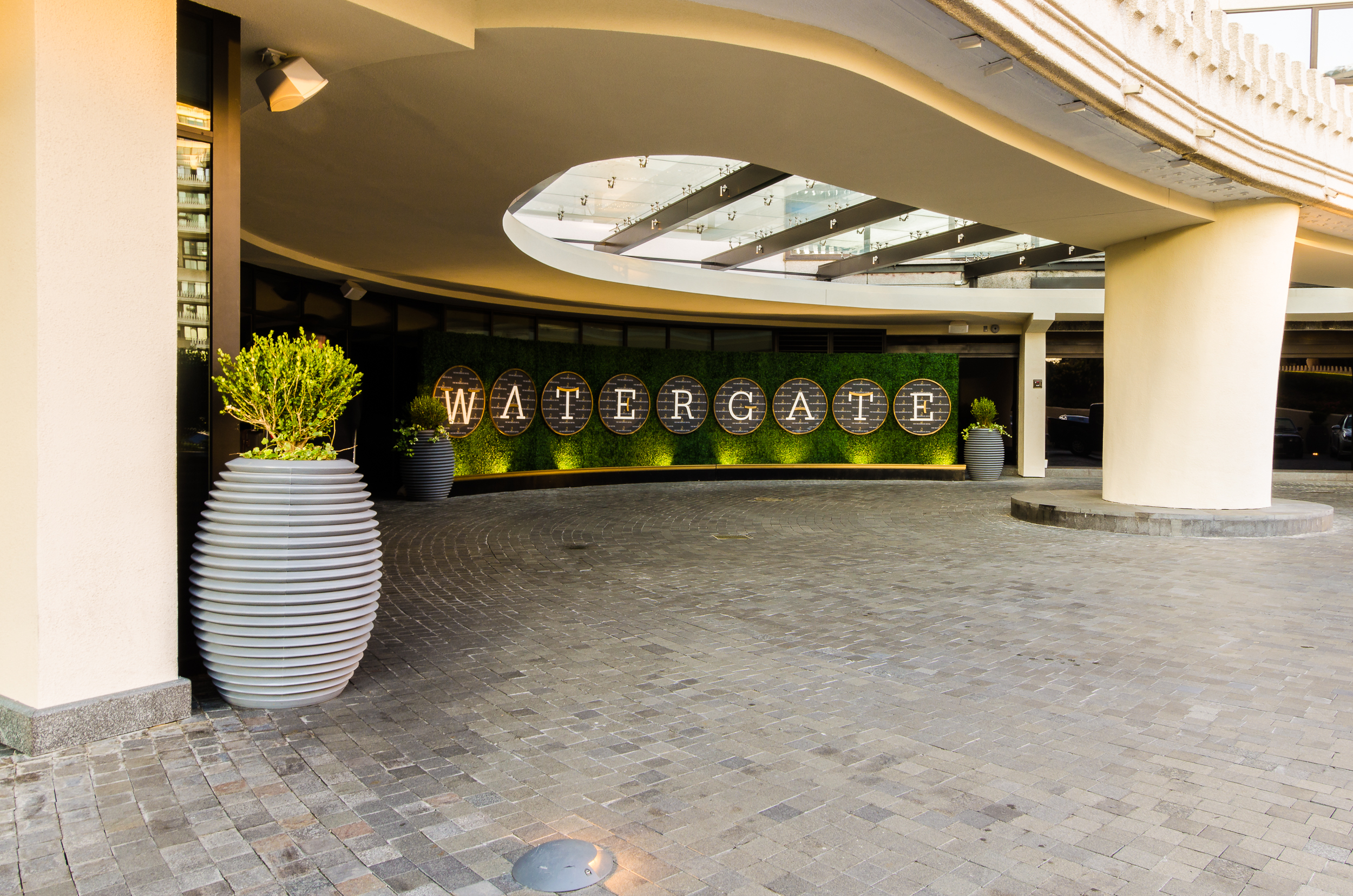21_Watergate Hotel 01.jpg