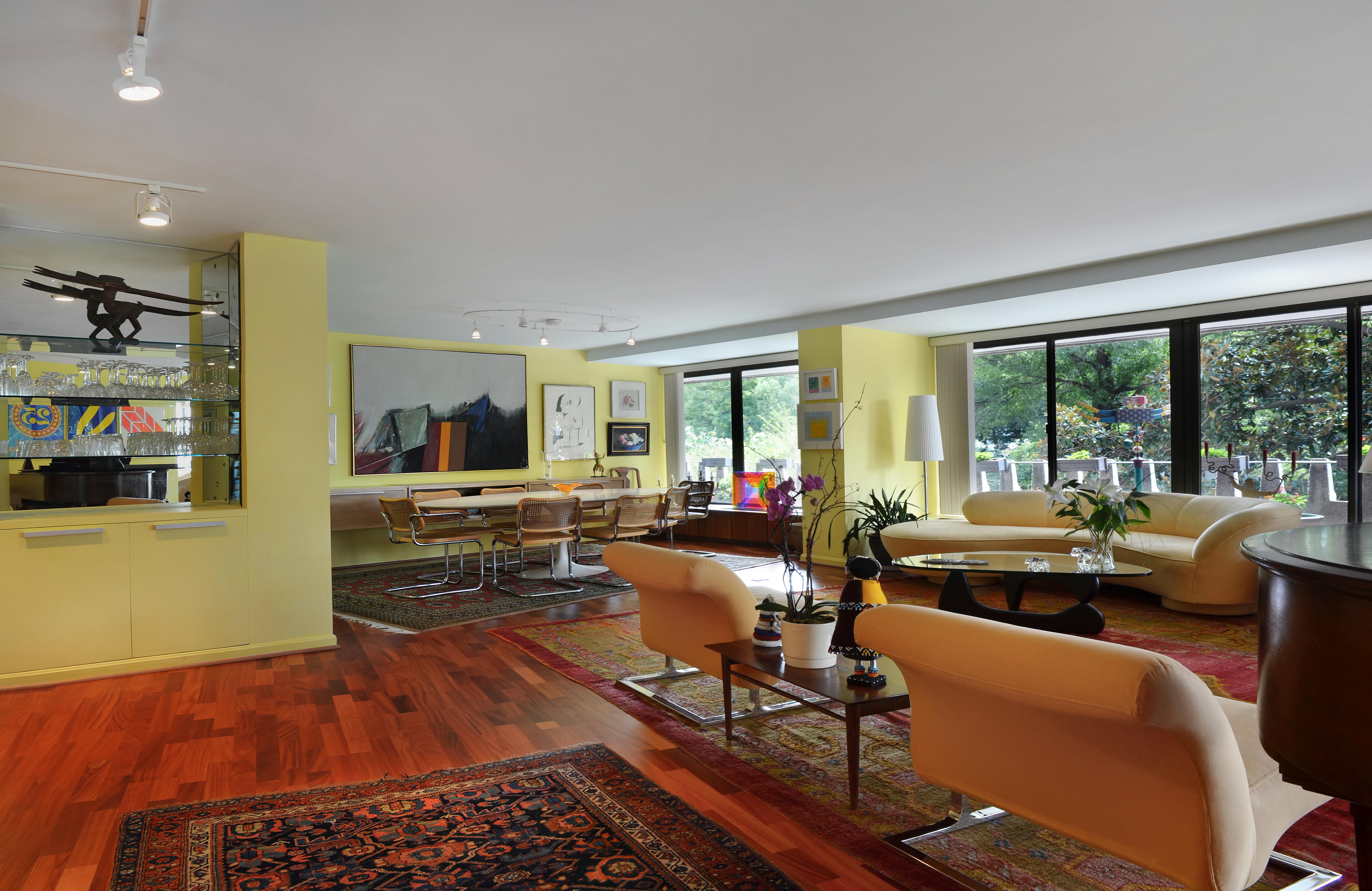 01_Living Room 2_ret.jpg