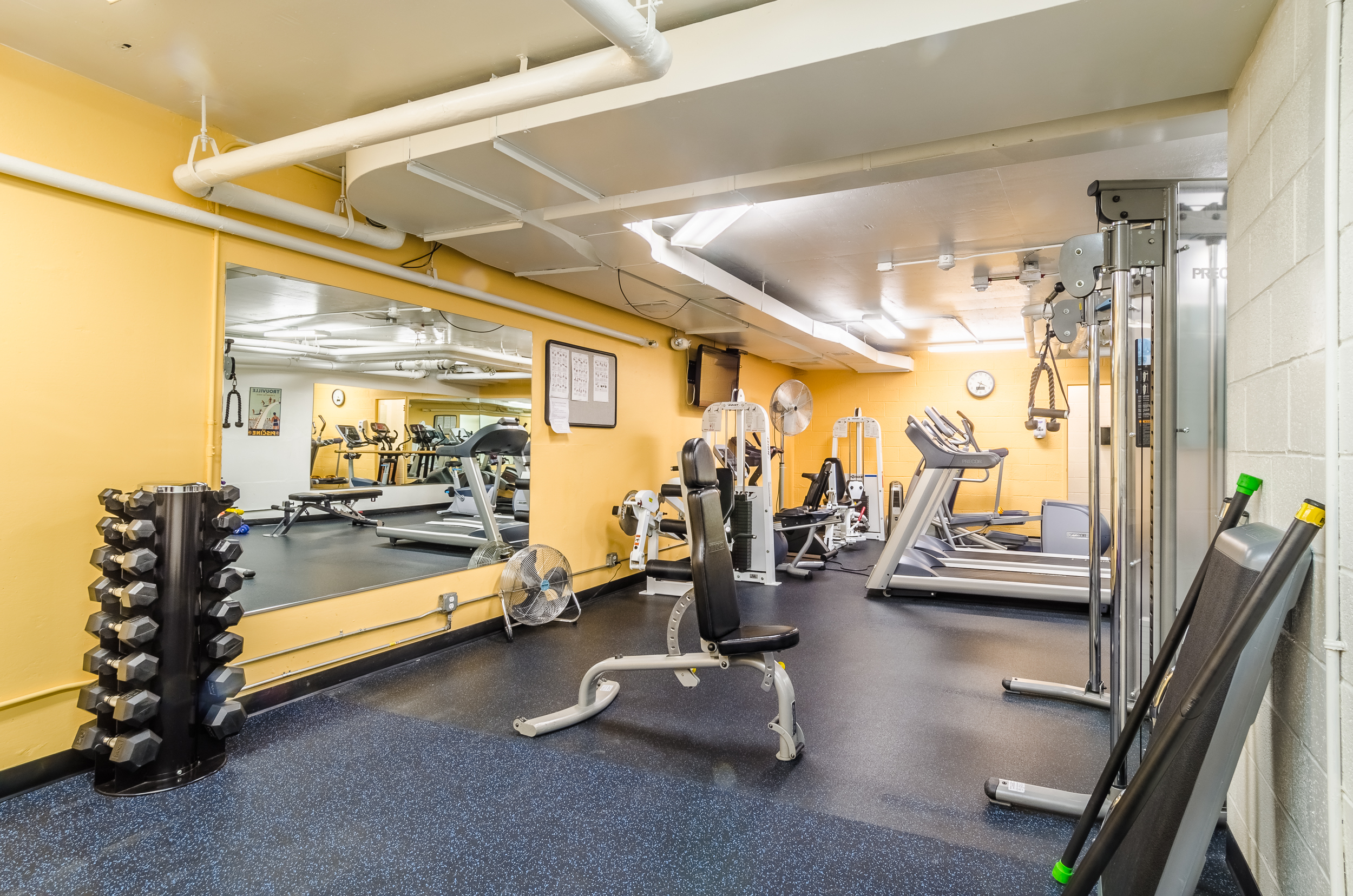 33_Watergate West Fitness Room 02 (web).jpg