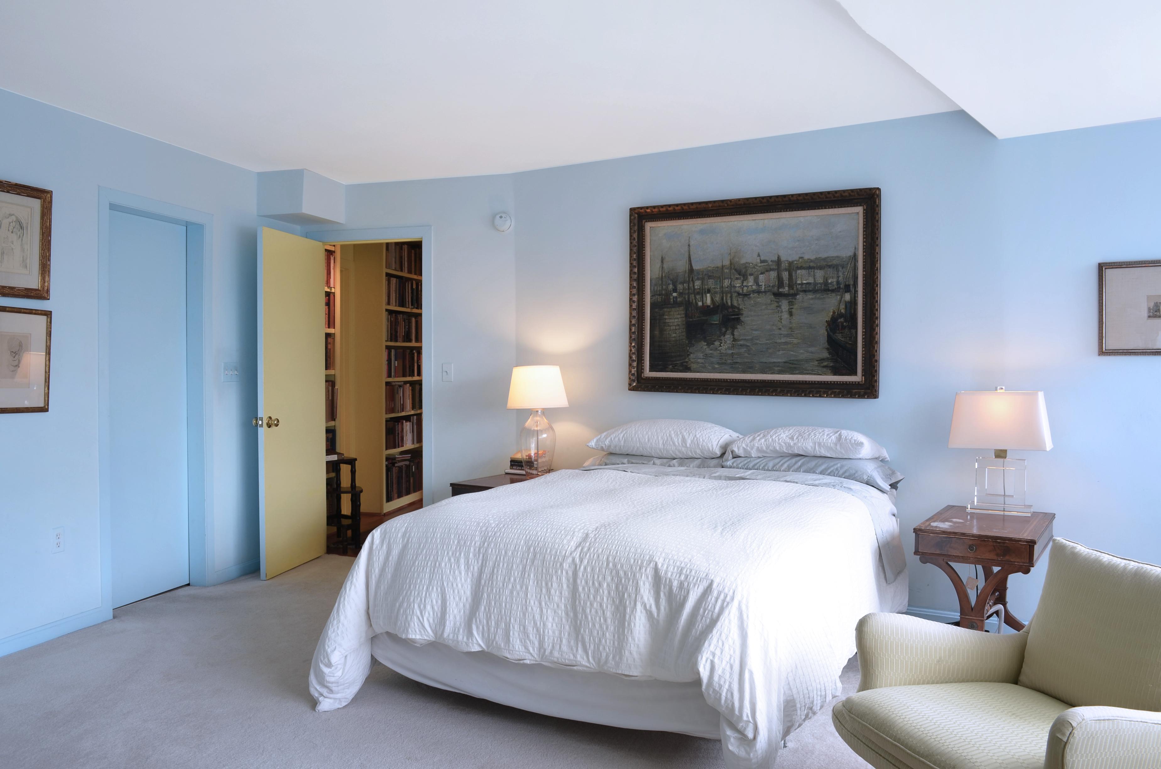 09_Bedroom 1_ret.jpg