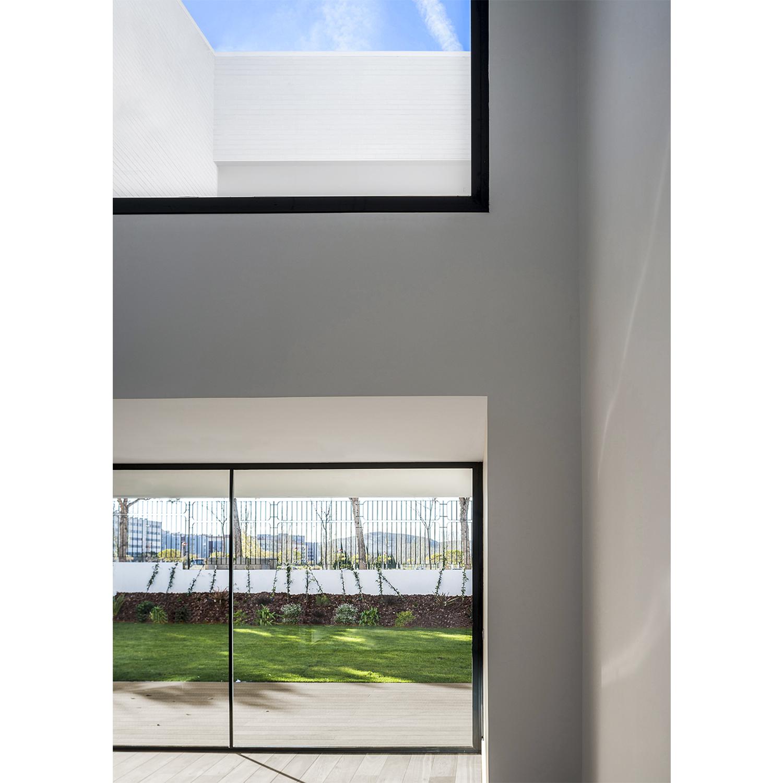 UVB Interior 2