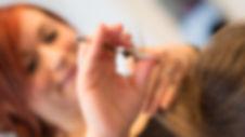 maria kjærsgaard, frisør, ølgod, solvænget mariak, hårologi, hårprodukter, klippe, hårfarver, hår, saks, frisørsalon, salon,