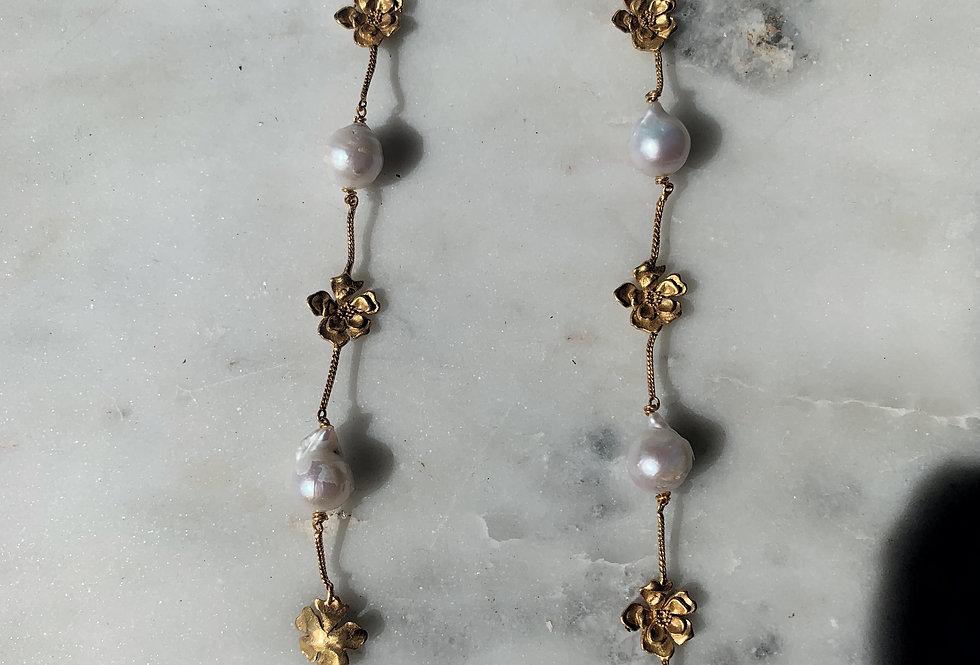 Petunia Chain Earring Gold