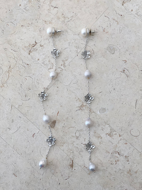 Petunia Chain Earring Silver