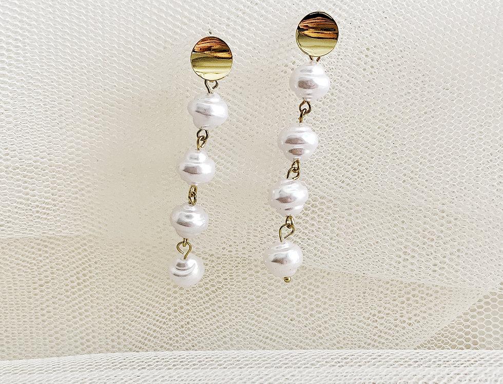 Gold Sphere Pearl Drop