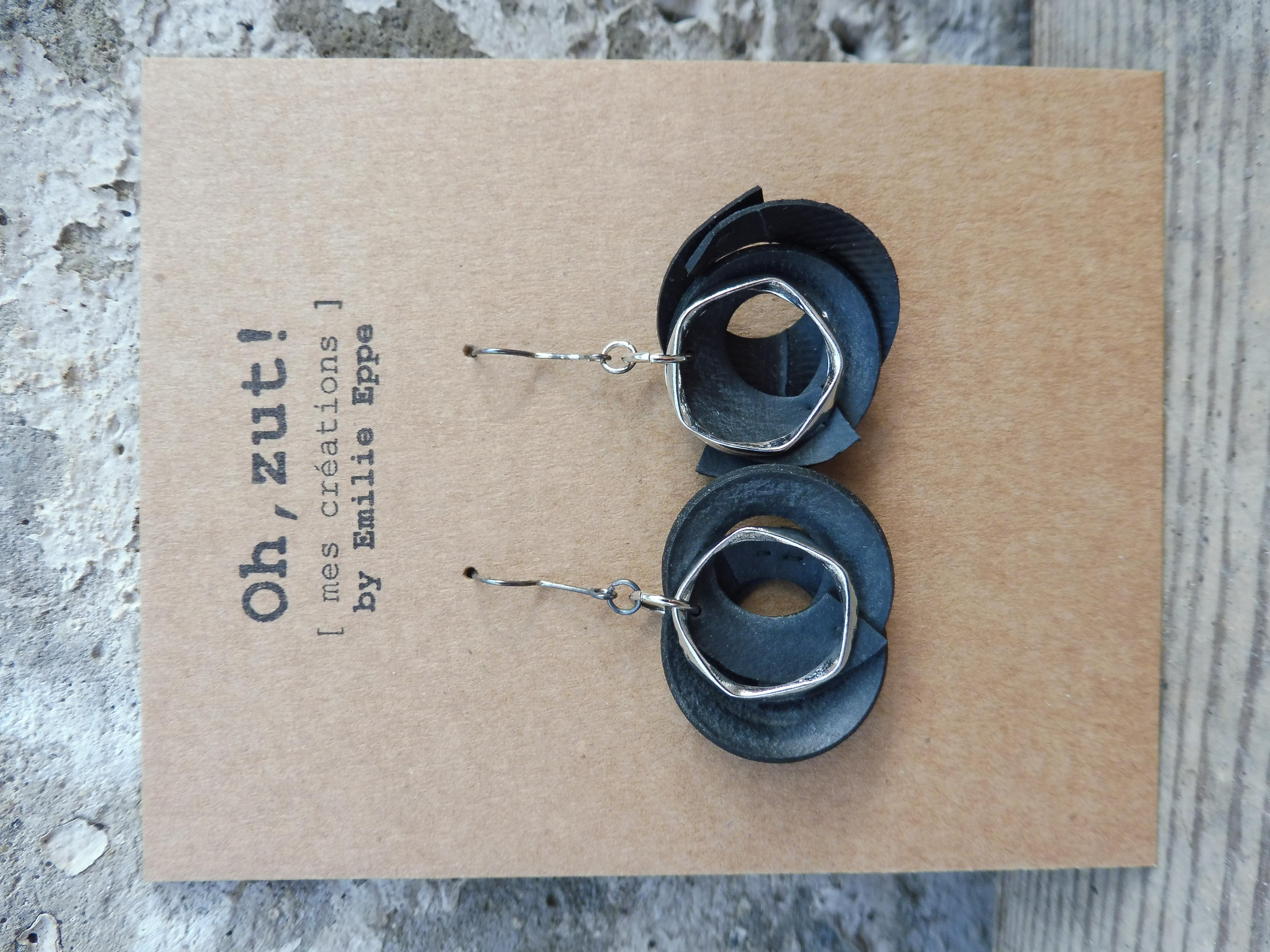 Boucles semi-pendantes