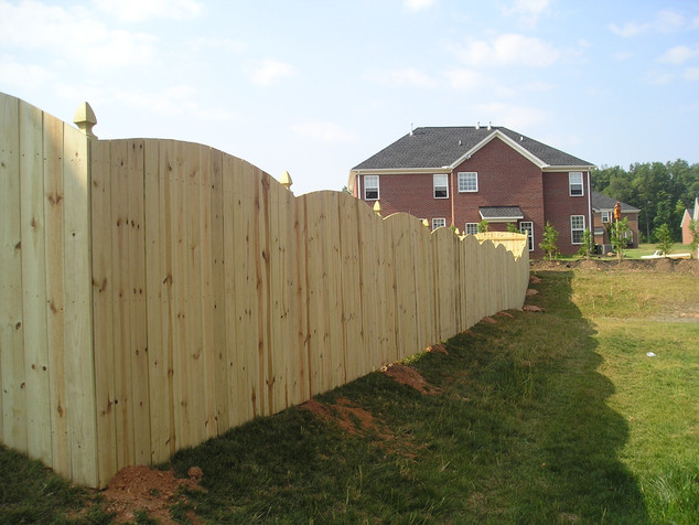 Stockade Arched with gothic posts- Cedar Pickets