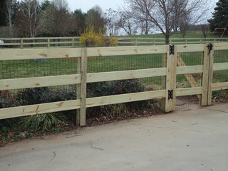 3 Ranch Rail Fence with Wire
