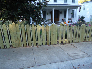 House Top Space Picket with 6x6 House Top Wood