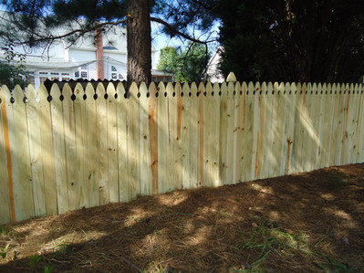 Solid Board Gothic Picket 4' Gothic Post